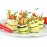 Roladki z cukinii z papryczką chili - Izabela Płóciennik Catering Optima Wrocław