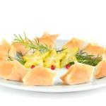 Pierożki won-ton z wieprzowiną i krewetkami - Izabela Płóciennik Catering Optima Wrocław
